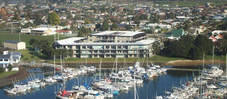 Self catering apartments with Marina views available in central Whitianga. Marina Apartments, Whitianga.