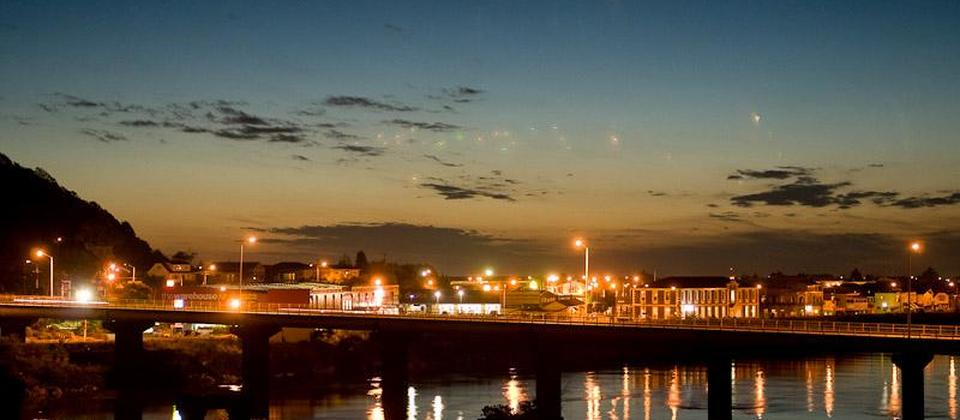 The beautiful lights of Greymouth at night.