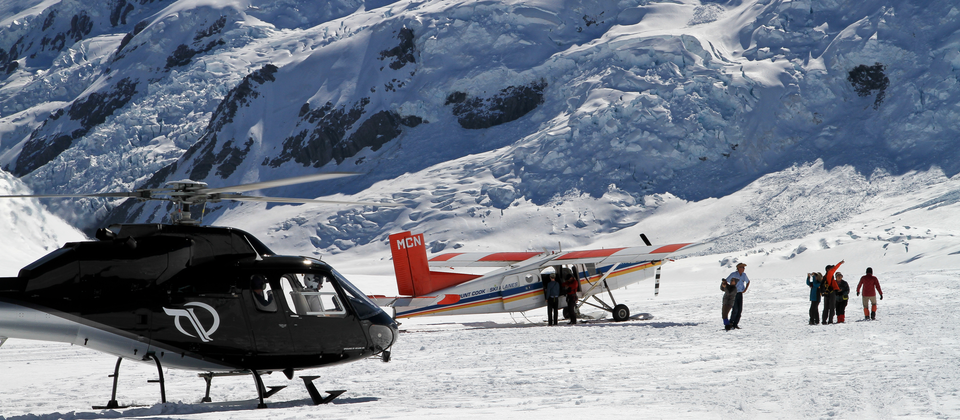 Mt Cook ski plane and helicopter