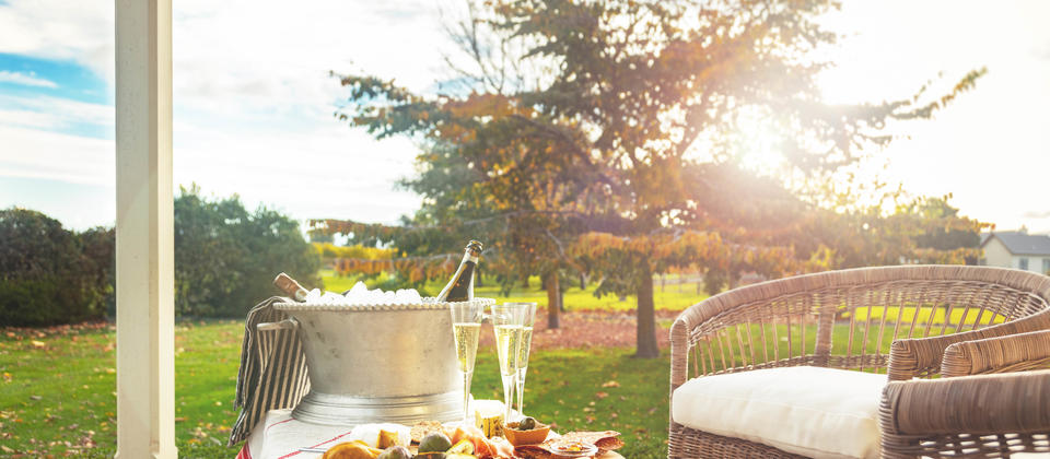 Marlborough Methodè served with gourmet platter at sunset