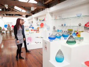 Whanganui boasts the country's only Glass School.