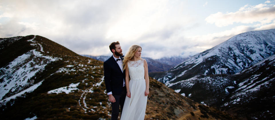 Queenstown Pre Wedding Photo on Mountain
