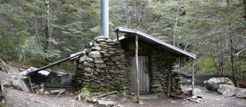Sam Summer's Hut, Lakeview Trail