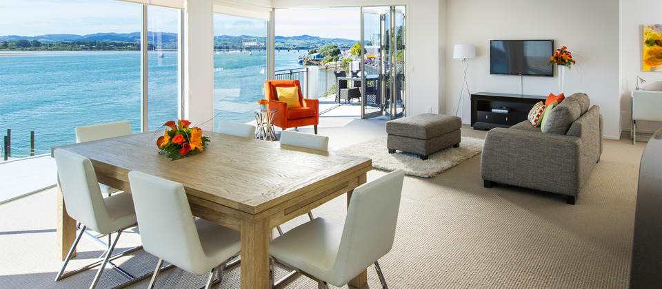 Light and airy Three Bedroom Apartment with views of Tauranga Harbour