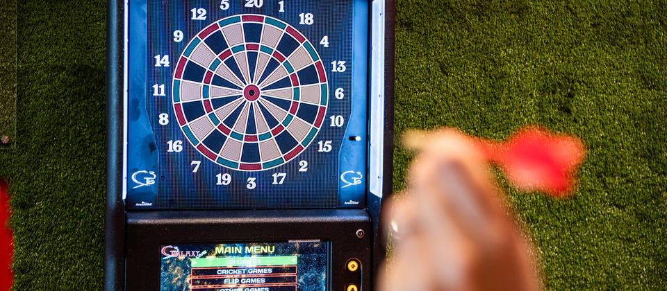 Zone Sports Bar, Electronic Darts