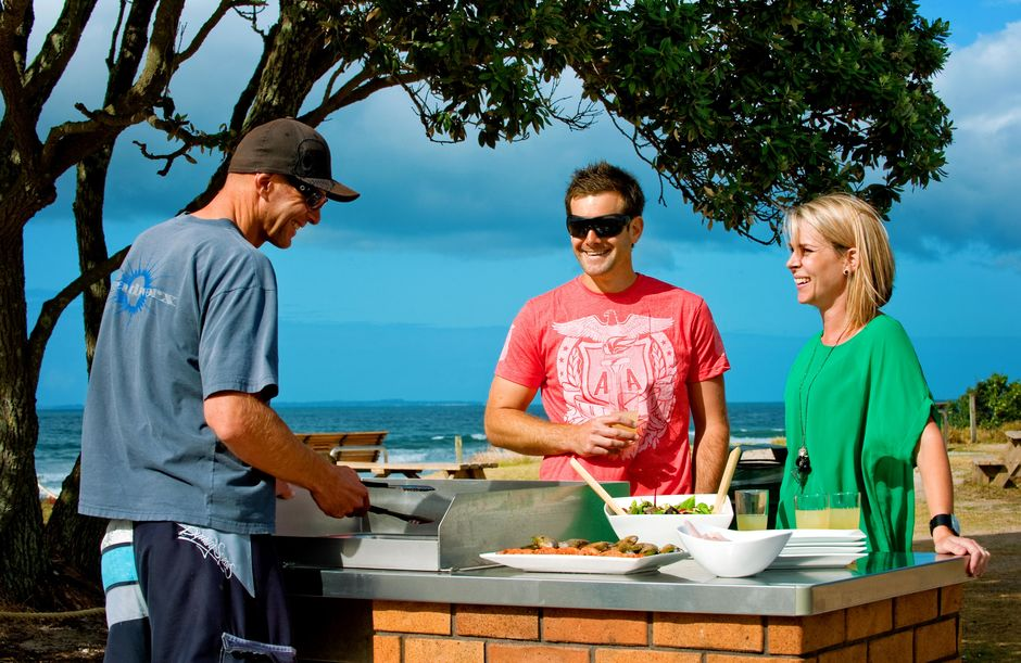 Many beaches throughout New Zealand have barbecuing facilities that are available for a small fee.