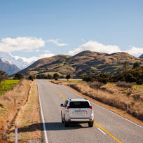 Driving in the South Island - the road to Paradise, Glenorchy.
