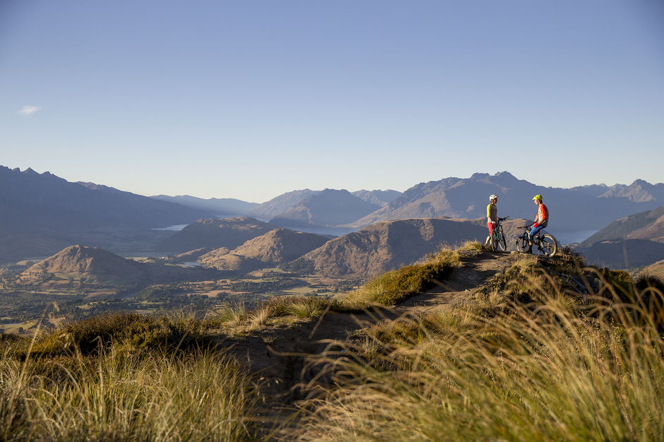 A singletrack masterpiece, Rude Rock Track is set against a backdrop of jagged peaks looming above the Wakatipu Basin in Queenstown.