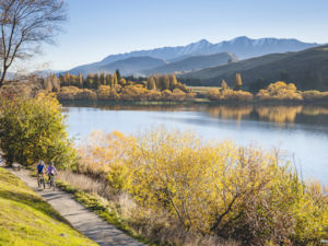 Autumn cycling in Queenstown Trail