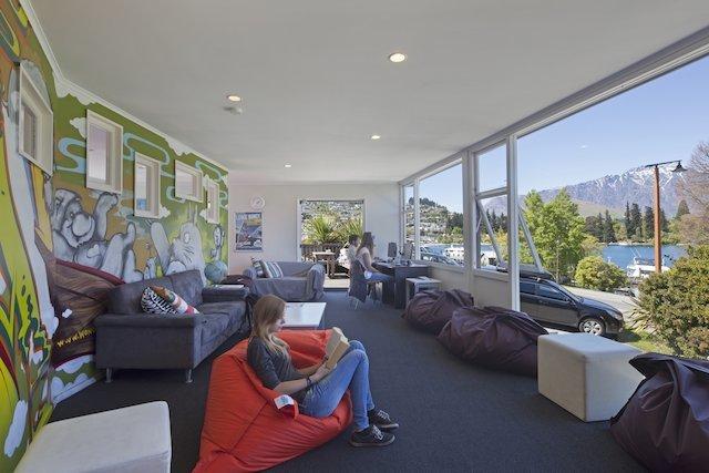 New Zealand Accommodation: Hotels, Hostels & Luxury Lodges