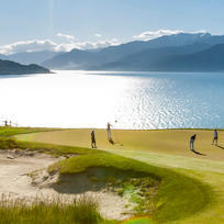 Play golf in New Zealand
