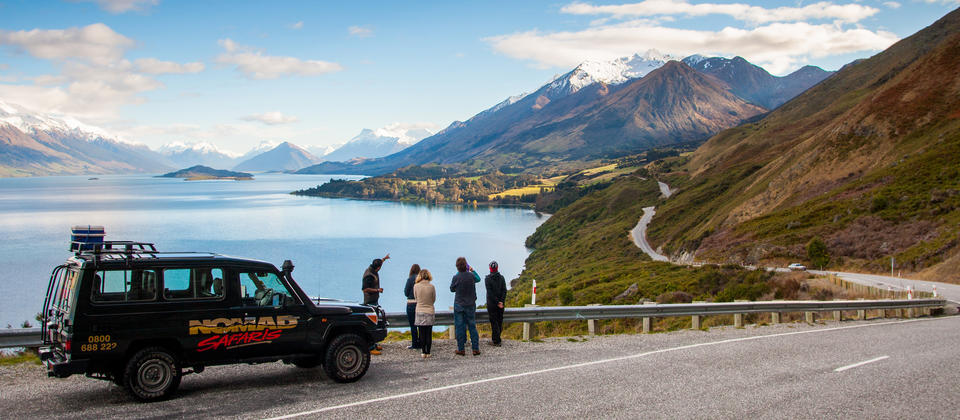 A guided tour brings the magical scenery on the drive from Queenstown to Glenorchy to life.