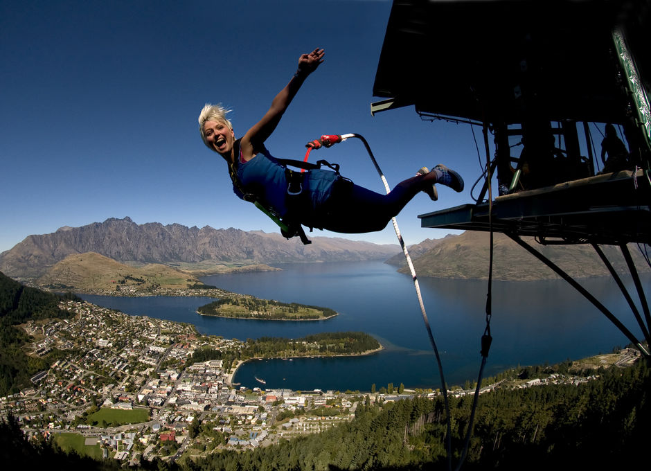 Ledge Bungy de estilo libre en Queenstown