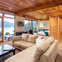 Azur is a contemporary lodge overlooking some of the most spectacular scenery in New Zealand.