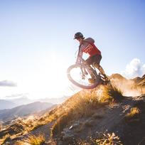 Featuring a wide selection of tracks, including Rude Rock, Coronet Peak is fast becoming a hub of mountain biking in Queenstown.