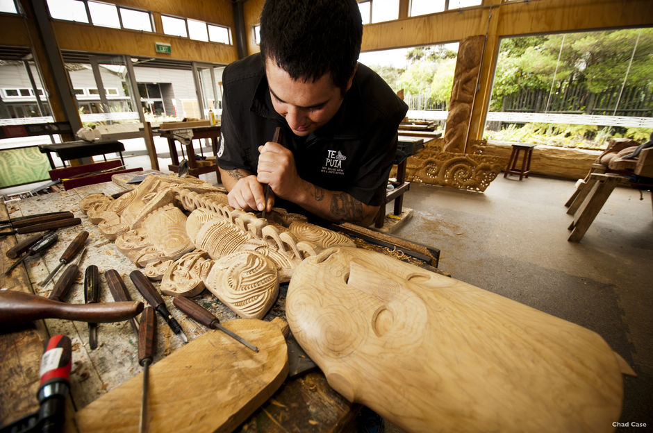 At Te Puia in Rotorua, you can watch Māori carvers at work. Their skills are passed from one generation to the next.