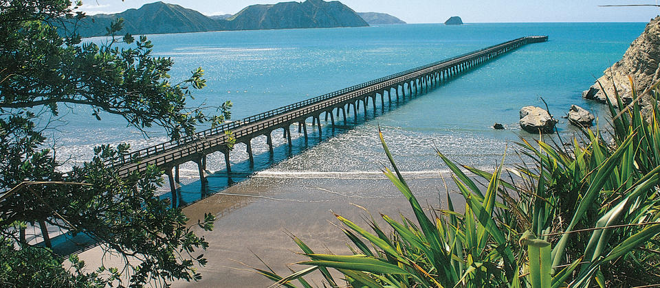 The Tolaga Bay Wharf is believed to be the longest concrete wharf in the Southern Hemisphere.