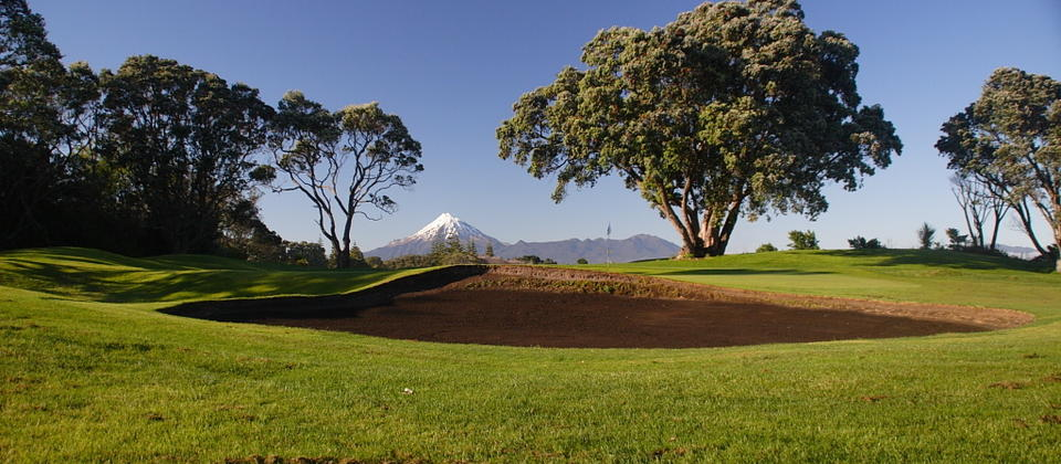 The New Plymouth Golf Club is a seaside course with views of the conical Mount Taranaki.
