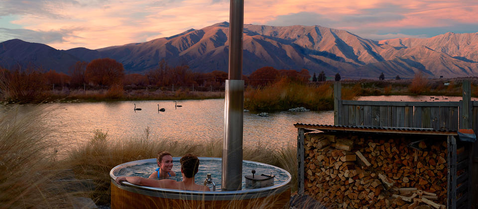 Immerse yourself in pure mountain water while soaking in the beautiful Mackenzie Country scenery around you at Hot Tubs Omarama