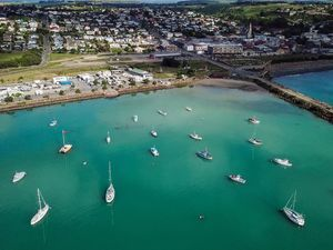 Oamaru Harbour Friendly Bay