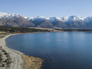Lake Ohau in winter