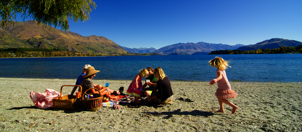 Family picnic at Lake Wanaka