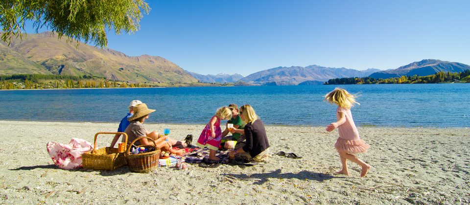 A family picnic at Lake Wanaka