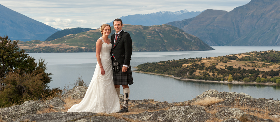 Lake Wanaka is just one of many beautiful locations for your wedding in New Zealand