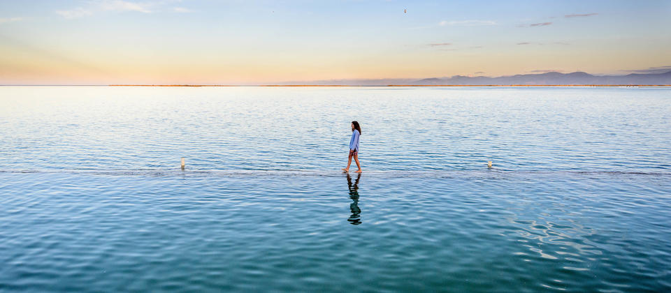Built in 1930 the Motueka Salt Water Baths may have been the first-ever infinity pool the world has ever seen