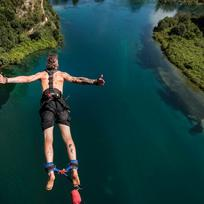 Bungy jumping in Taupo