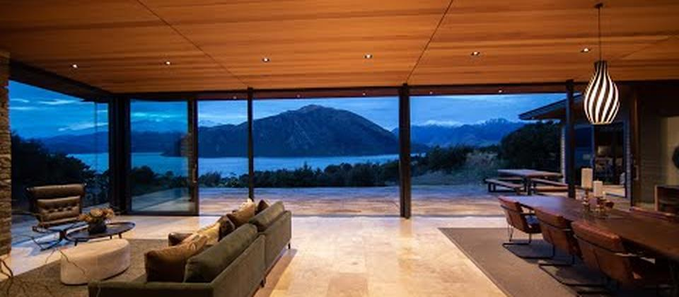 LUXURY WANAKA HOLIDAY ACCOMMODATION & EXPERIENCES. We are a team of locals that have chosen Wanaka as our home. We are proud of our home and passionate about sharing it with the world.
