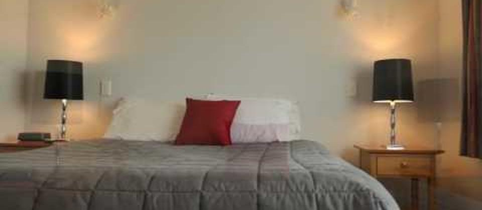 Two Bedroom Spa Apartment (Comfort Inn Riccarton Christchurch)