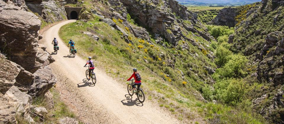 New Zealand's original Great Ride, the trail follows an old railway line through beautiful, big-sky country with the bonus of legendary hospitality.